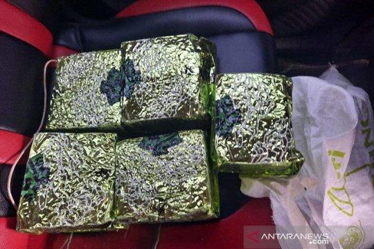 Bea cukai menggagalkan penyelundupan lima kilogram sabu-sabu di Aceh