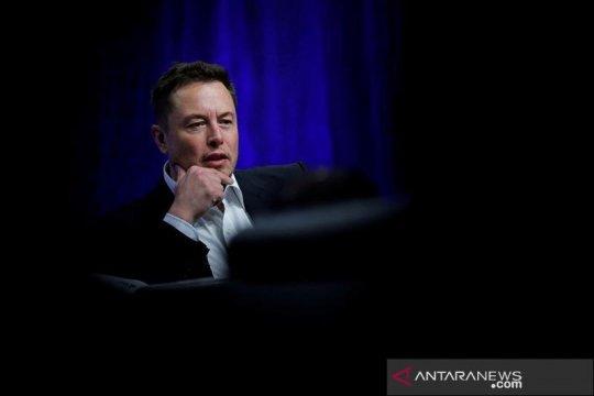 Peretas Anonymous serang Tesla dan Elon Musk, tuduh Tesla disubsidi
