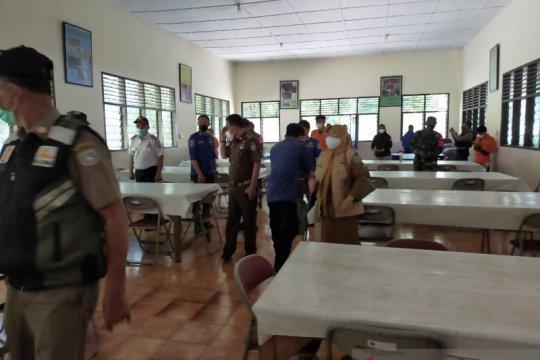 Pemkab Pangkep larang guru ke sekolah jika belum divaksin