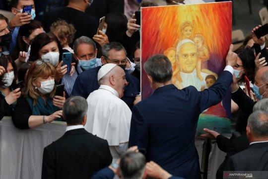 Paus Fransiskus tolak pengunduran diri kardinal Jerman