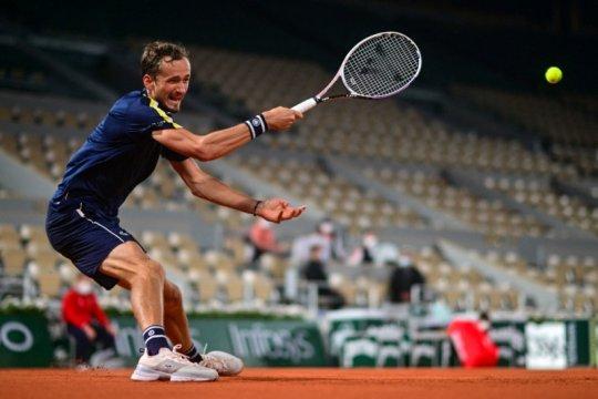 Medvedev habiskan dua jam menuju babak ketiga perdana French Open