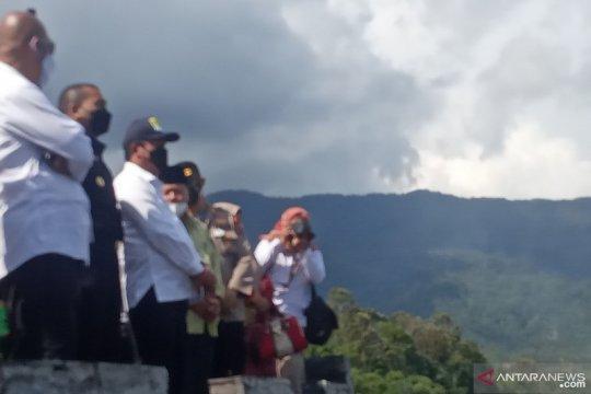 Menteri Trenggono tawarkan budi daya air tenang di Danau Maninjau