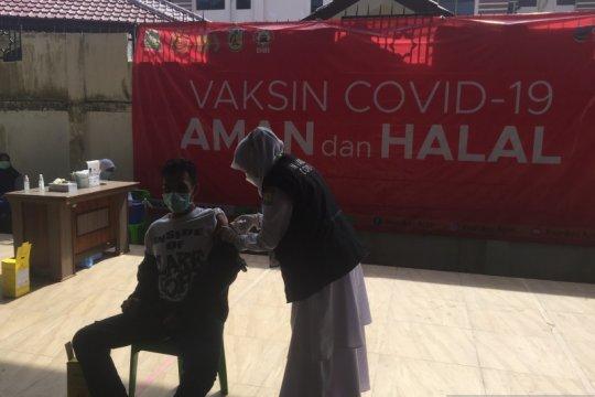 Sebanyak 823 ASN Pemerintah Aceh jalani vaksinasi COVID-19