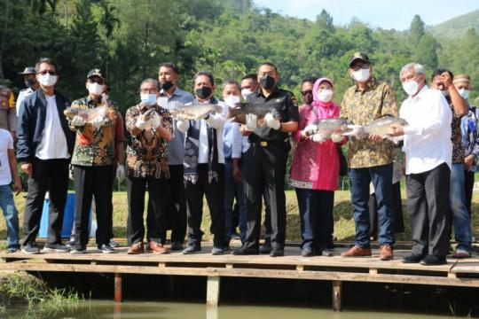 Menteri KKP minta Limapuluh Kota budidaya ikan semah dan gariang