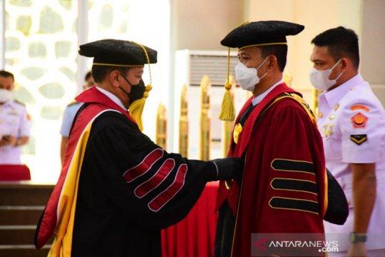 Rektor Unhan dikukuhkan sebagai profesor