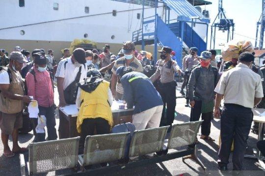 Tiga penumpang positif COVID-19 setiba di pelabuhan Jayapura