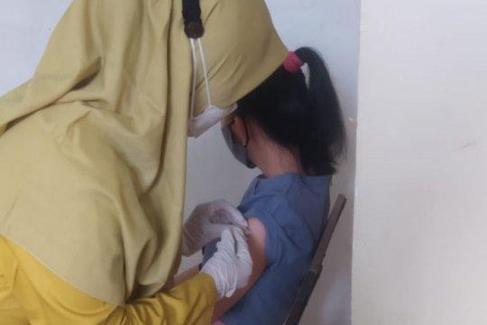 Bandarlampung vaksinasi pengemudi ojek dan karyawan mal