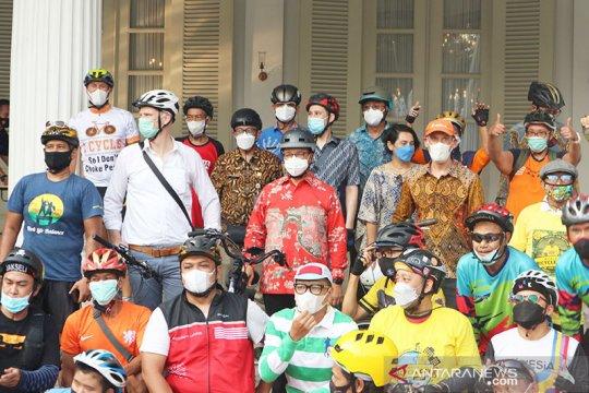 Ketegangan Road Bike-pemotor, Anies: Harus saling menghormati dan taat
