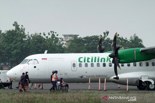 Penerbangan komersial pertama di Bandara Jenderal Besar Soedirman