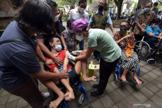 Vaksinasi tahap III di Surabaya sasar disabilitas hingga ODGJ
