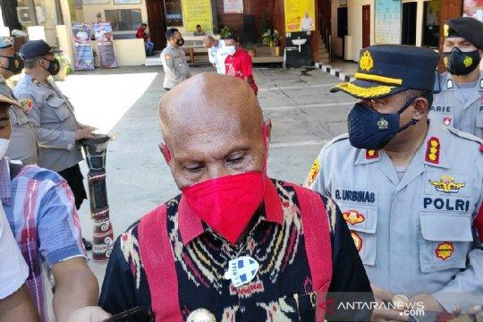 Pemkot Jayapura gandeng TNI-Polri vaksinasi warga sekitar venue PON XX