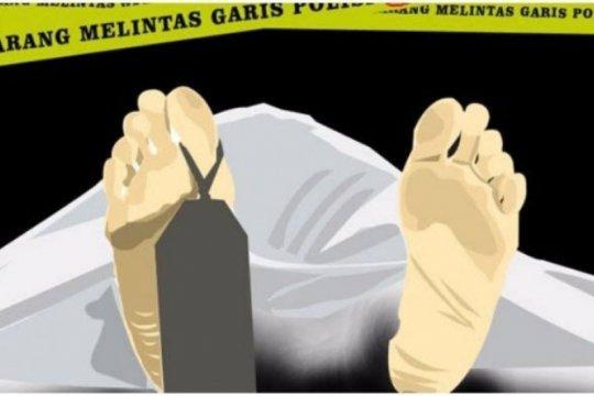 Tim SAR evakuasi jenazah pria tanpa identitas di perairan Danau Toba