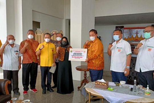 Gubernur Lampung beri Rp100 juta untuk lifter Citra Febrianti