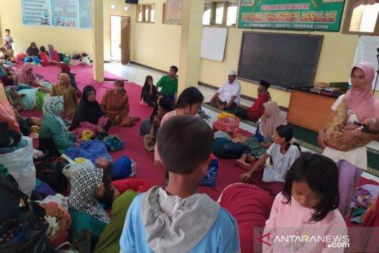BPBD libatkan ratusan relawan untuk evakuasi warga korban longsor