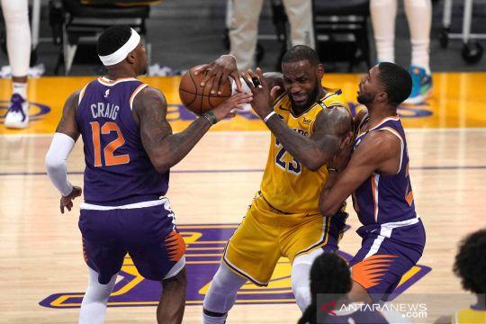 NBA Playoff: Suns kandaskan Lakers 4-2 di gim ke-6