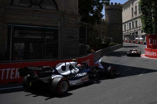 GP Azerbaijan: Gasly tercepat di FP3, Verstappen kecelakaan