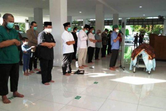 Ketua Tim Pelayanan Kembar Siam RSUD Dr Soetomo Surabaya tutup usia