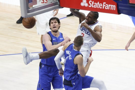 45 poin Leonard bawa Clippers paksa Mavs mainkan gim terakhir