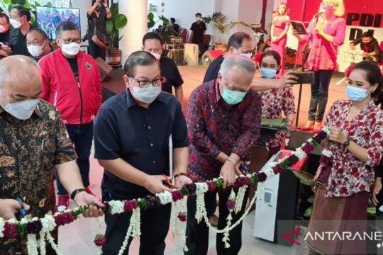 Pramono Anung gunting pita Pameran Lukisan Bulan Bung Karno