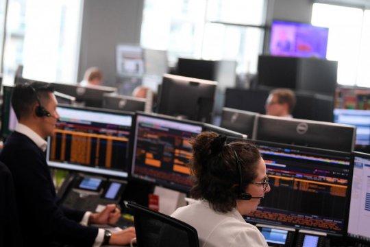 FTSE 100 naik didukung pendapatan dan kenaikan saham pertambangan