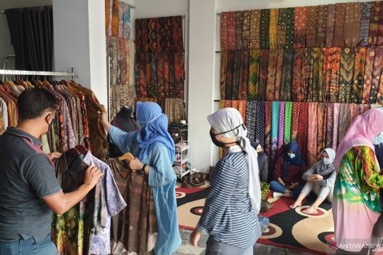 Kerajinan purun lahan gambut Sumsel dikembangkan Eco Fesyen Indonesia