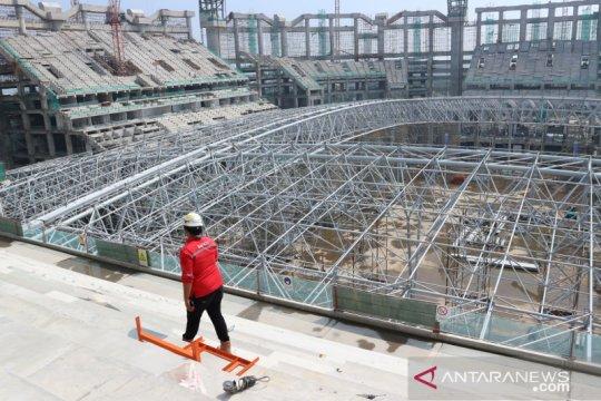Atap JIS  diperkirakan selesai dipasang pada 5 Juli