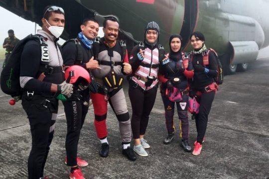 Papua Barat targetkan juara umum cabang terjun payung pada PON XX
