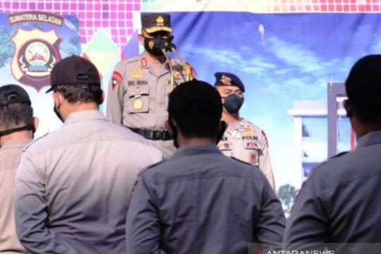 Kapolda Sumsel beri penghargaan kepada personel aktif tegakkan PPKM