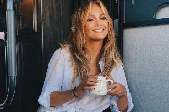 Jennifer Lopez tandatangani kontrak tahunan dengan Netflix