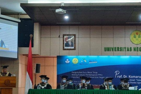 Rektor UNJ dikukuhkan menjadi guru besar pembelajaran PPKn