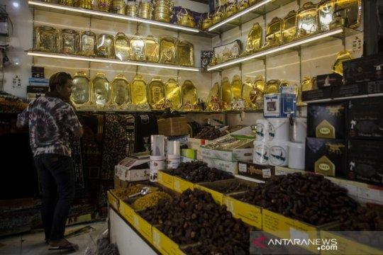 Penjual oleh-oleh terdampak penundaan ibadah haji dan umrah