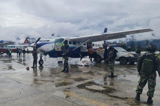 TNI/Polri disiagakan amankan Bandara Aminggaru Ilaga