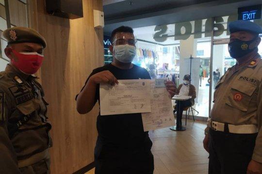 Satpol PP Jaktim sanksi enam gerai McDonald's terkait kerumunan massa