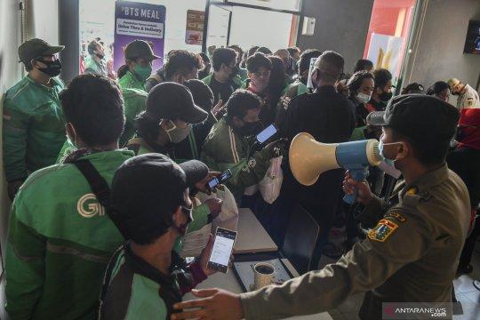 Kriminal Jakarta, polisi bubarkan kerumunan McD hingga pelecehan siswa