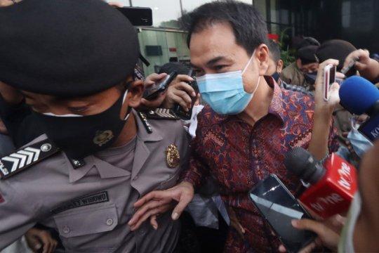 Azis Syamsuddin minta jadwal ulang pemeriksaan karena jalani isoman