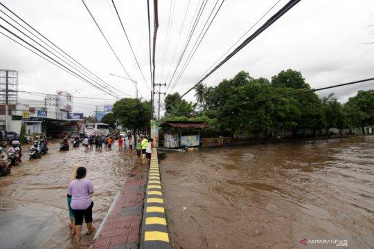 Sungai Bagong di Banyuwangi meluap