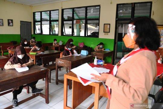Kepsek dan guru positif COVID-19, PTM di SDN 08 Kenari dihentikan