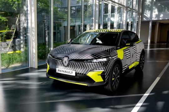 Renault Megane E-Tech Eletric masuk fase praproduksi