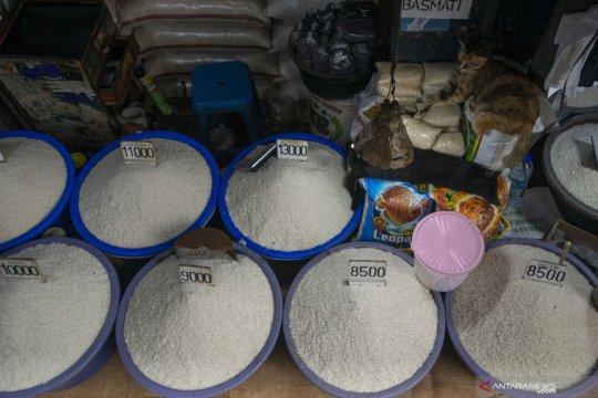 Stok beras di gudang Bulog dan Pasar Induk Cipinang aman tercukupi