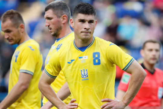 "UEFA desak timnas Ukraina cabut ""slogan politik"" di jersey baru"