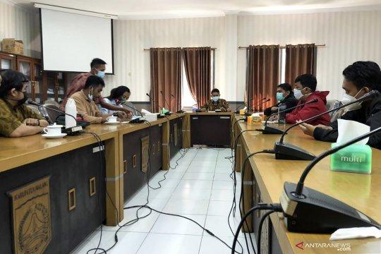 DPRD Kabupaten Malang audiensi dengan aktivis lingkungan soal sawit