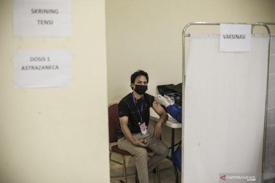 Jam layanan vaksinasi usia 18 di Jakarta terserah masing-masing faskes