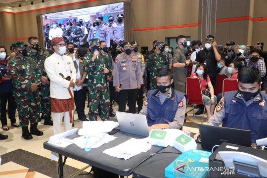 "Panglima TNI tinjau ""Serbuan Vaksinasi"" di Kota Bandung"
