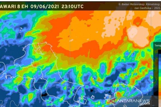 BMKG: Waspadai hujan lebat dan kilat di Kepulauan Babel