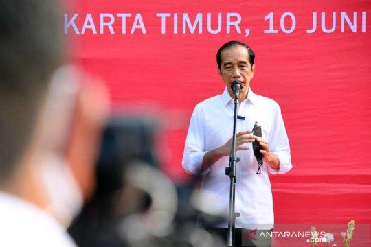 Jokowi: 1.000 pekerja di Pelabuhan Sunda Kelapa divaksinasi COVID-19