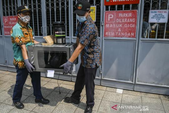 Layanan jemput sampah elektronik untuk warga Jakarta