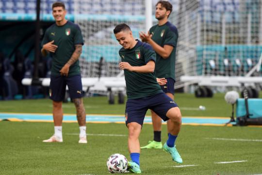 Mancini janjikan kesempatan untuk Raspadori dan Kean di timnas Italia