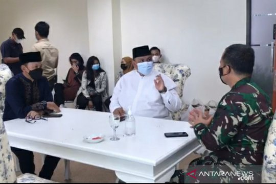 Wali Kota Bogor menunggu pendukung Rizieq untuk berdialog di DPRD