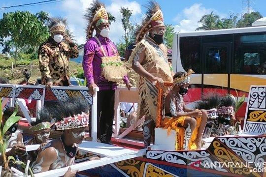 Gubernur Papua Barat mengajak masyarakat rawat keberagaman suku