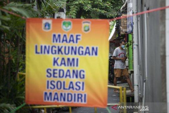 Kemarin, klaster baru di Jakarta Timur hingga sentra vaksinasi COVID